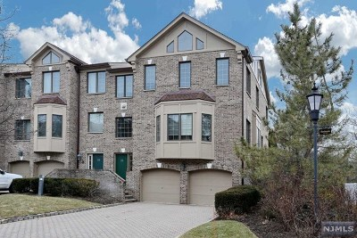 Saddle River Condo/Townhouse For Sale: 5 Sherbrooke Court
