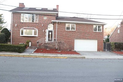 Fort Lee Single Family Home For Sale: 279 Elsmere Place