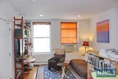 Jersey City Condo/Townhouse For Sale: 57 St Pauls Avenue #1l