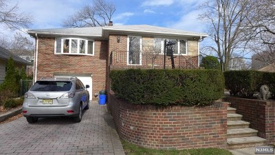 Fort Lee Single Family Home For Sale: 301 Westview Avenue