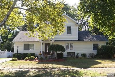 River Edge Single Family Home For Sale: 348 Oak Avenue