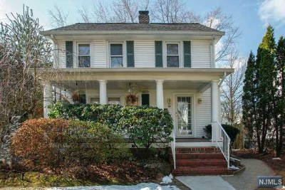 Tenafly Single Family Home For Sale: 8 Tenafly Court