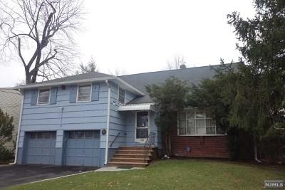 Teaneck Single Family Home For Sale: 336 Edgewood Avenue