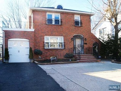 Fort Lee Single Family Home For Sale: 1011 Anderson Avenue