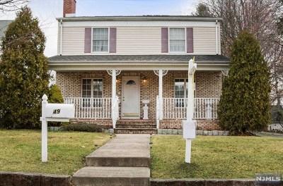 Maywood Single Family Home For Sale: 49 East Magnolia Avenue