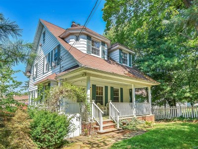 Leonia Single Family Home For Sale: 208 Grand Avenue