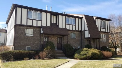 New Milford Condo/Townhouse For Sale: 55 Canterbury Lane