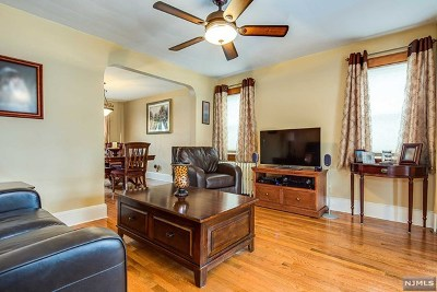 Secaucus Single Family Home For Sale: 723 Humboldt Street