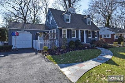 Oradell Single Family Home For Sale: 899 Midland Road