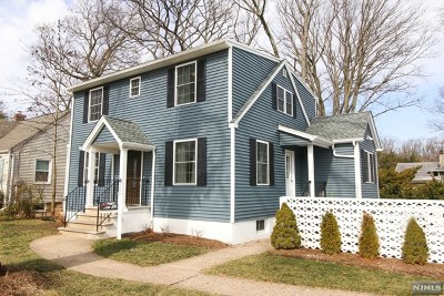 Waldwick Single Family Home For Sale: 111 Lincoln Place