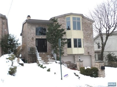 Englewood Cliffs Single Family Home For Sale: 8 Irving Avenue