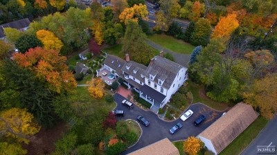 Paramus Single Family Home For Sale: 218 Paramus Road