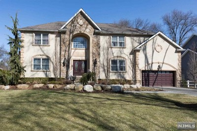 Paramus Single Family Home For Sale: 167 Behnke Avenue