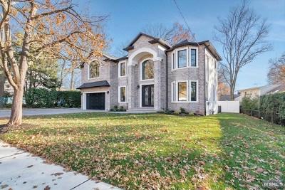 Paramus Single Family Home For Sale: 24 Beasley Terrace
