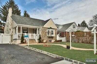 Leonia Single Family Home For Sale: 121 Moore Avenue