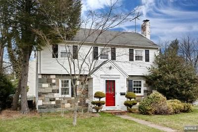 Ridgewood Single Family Home For Sale: 661 Linwood Avenue