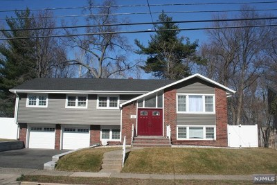 Teaneck Single Family Home For Sale: 293 Glen Court