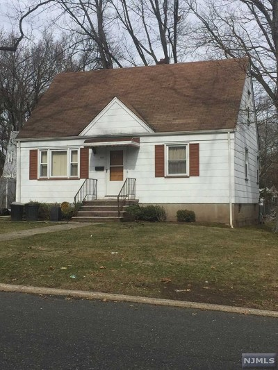 Teaneck Single Family Home For Sale: 185 Hargreaves Avenue