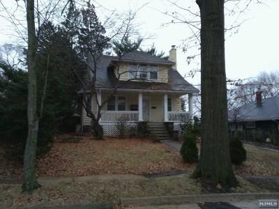 Leonia Single Family Home For Sale: 140 Longview Avenue