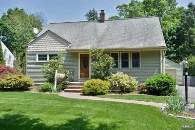Ridgewood Single Family Home For Sale: 459 South Pleasant Avenue