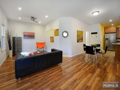 Jersey City Condo/Townhouse For Sale: 384a Monmouth Street #G6