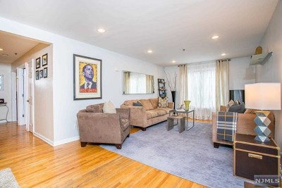North Bergen Condo/Townhouse For Sale: 1911 Grand Avenue #1e