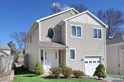 River Edge Single Family Home For Sale: 52 Gates Avenue