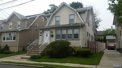 Cliffside Park Single Family Home For Sale: 562 Oregon Avenue