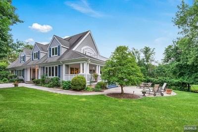 Woodcliff Lake Single Family Home For Sale: 299 Chestnut Ridge Road