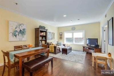 Hoboken Condo/Townhouse For Sale: 520 Park Avenue #2