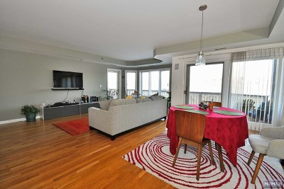 Edgewater Condo/Townhouse For Sale: 103 Jefferson Court