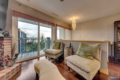 Edgewater Condo/Townhouse For Sale: 1225 River Road #6b