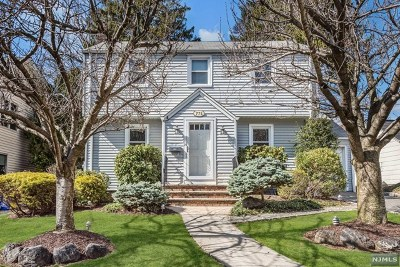 Teaneck Single Family Home For Sale: 774 Hartwell Street
