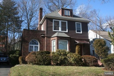 Teaneck Single Family Home For Sale: 1342 Princeton Road