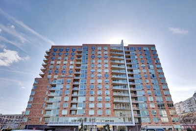 Edgewater Condo/Townhouse For Sale: 309 Hudson Park #309