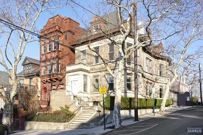 Hoboken Single Family Home For Sale: 901 Castle Point Terrace