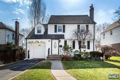 Teaneck Single Family Home For Sale: 28 Cranford Place