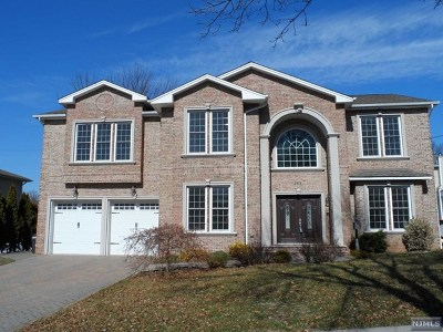 River Edge Single Family Home For Sale: 168 Van Saun Drive