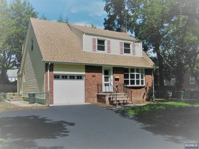 Ridgewood Single Family Home For Sale: 14 Southern Parkway