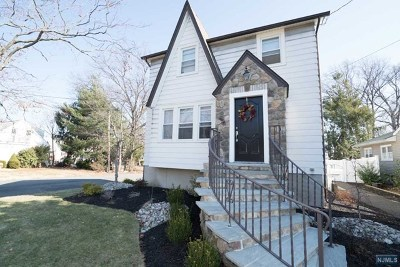 Rochelle Park Single Family Home For Sale: 60 Susquehanna Avenue