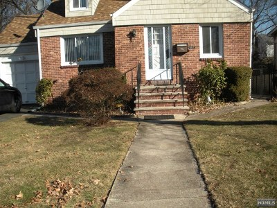Teaneck Single Family Home For Sale: 667 Kent Avenue