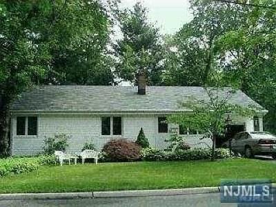 Cresskill Single Family Home For Sale: 53 Delmar Avenue