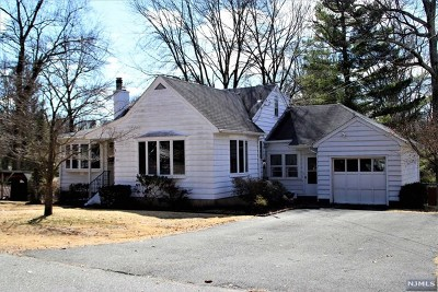 Allendale Single Family Home For Sale: 25 Vreeland Place