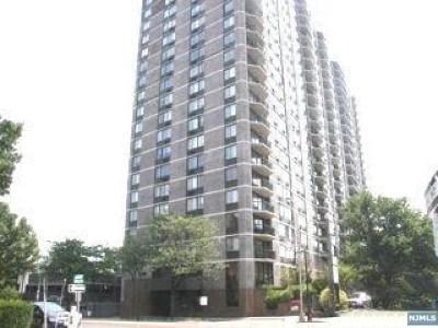 Cliffside Park Condo/Townhouse For Sale: 770 Anderson Avenue #16m