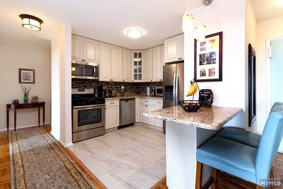 Fort Lee Condo/Townhouse For Sale: 2000 Linwood Avenue #6y