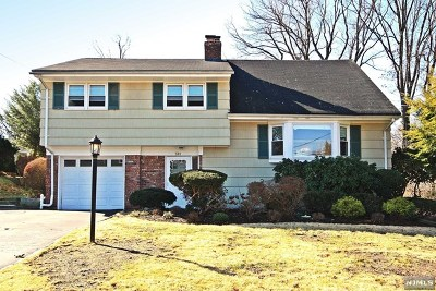 Oradell Single Family Home For Sale: 581 Fletcher Avenue