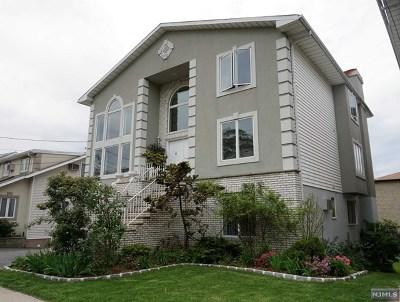 Cliffside Park Single Family Home For Sale: 755 Jefferson Avenue