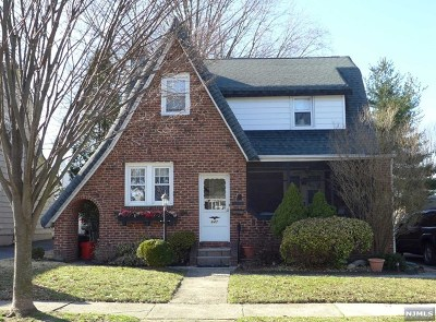 Single Family Home For Sale: 647 Lincoln Avenue