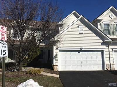Paramus Condo/Townhouse For Sale: 54 Mulberry Court #54