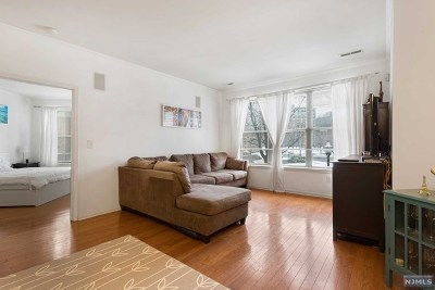West New York NJ Condo/Townhouse For Sale: $599,000